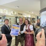 RA und Geschäftsführer Hartmut Glaser mit Alexandra und Robert Fetzer
